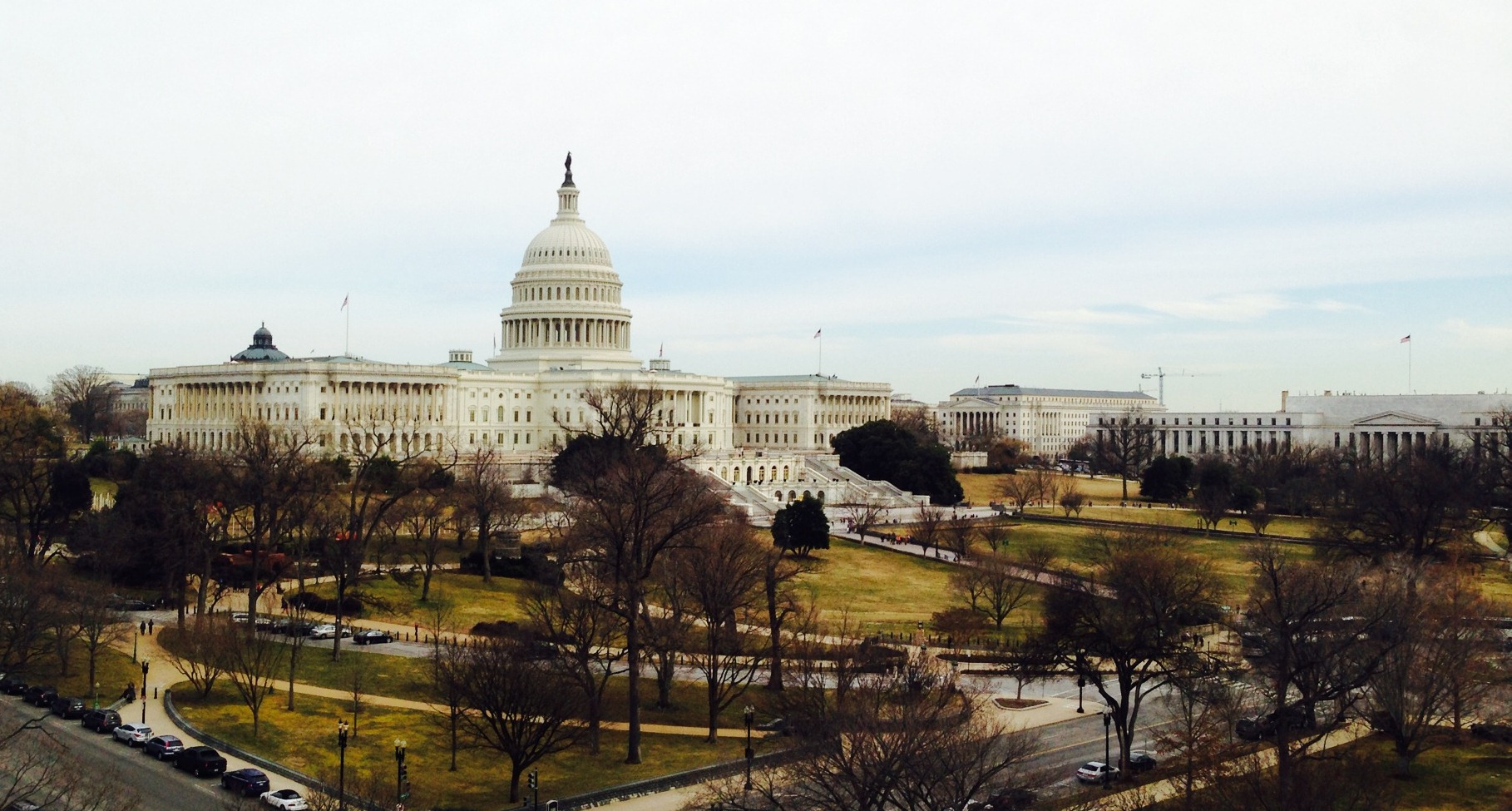 Wide view of the U.S. Capitol Building